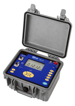 Portable micro-ohmmeter